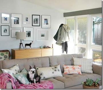 Quadros na parede da sala - fotos Design Sponge Online