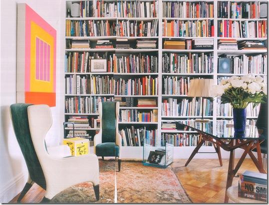 Casa de Valentina - uma casa ilatiana em Manhattan - foto de Manolo Yllera - estante