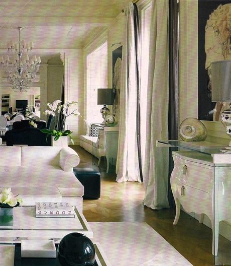 Casa de Valentina - Foto Masim Listri - cômoda coberta por buffet de vidro