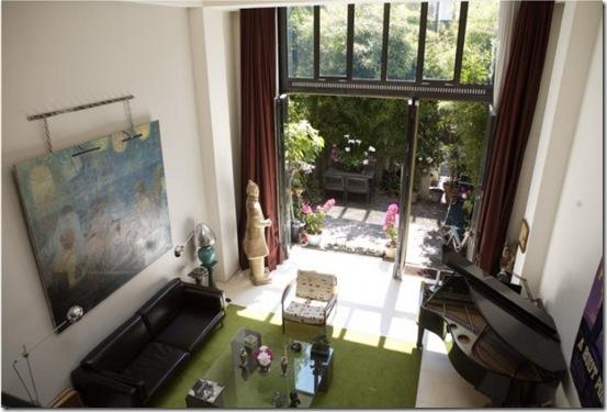 Casa de Valentina - loft com poucos e bons móveis
