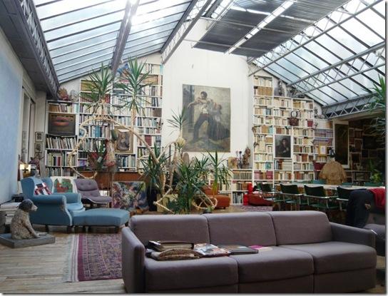 Casa de Valentina - biblioteca na sala