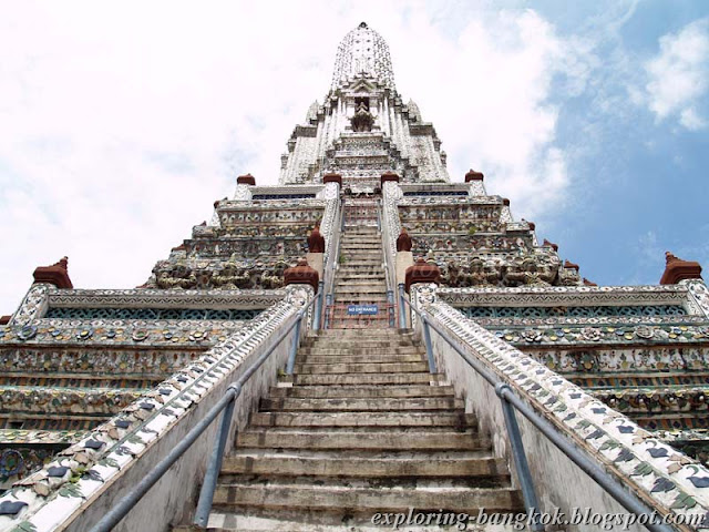 Exploring Bangkok: Wat Arun, Temple of the Dawn