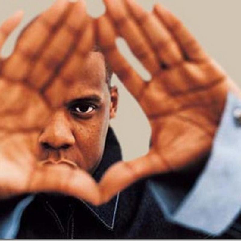 """O Significado Ocultista da """"Mão Piramidal"""" na Indústria do Entretenimento"""
