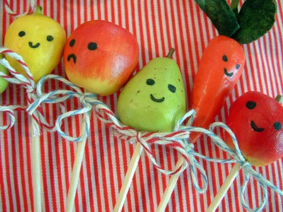 Happy fruit and veg... by Amanda *Bake It Pretty* on Flickr [used under Creative Commons license]