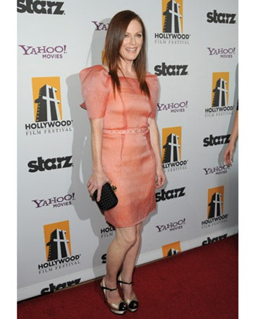 julianne-moore-redcarpet0410-07-de