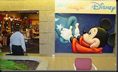 orlando-airport-walt-disney-world-shop-1