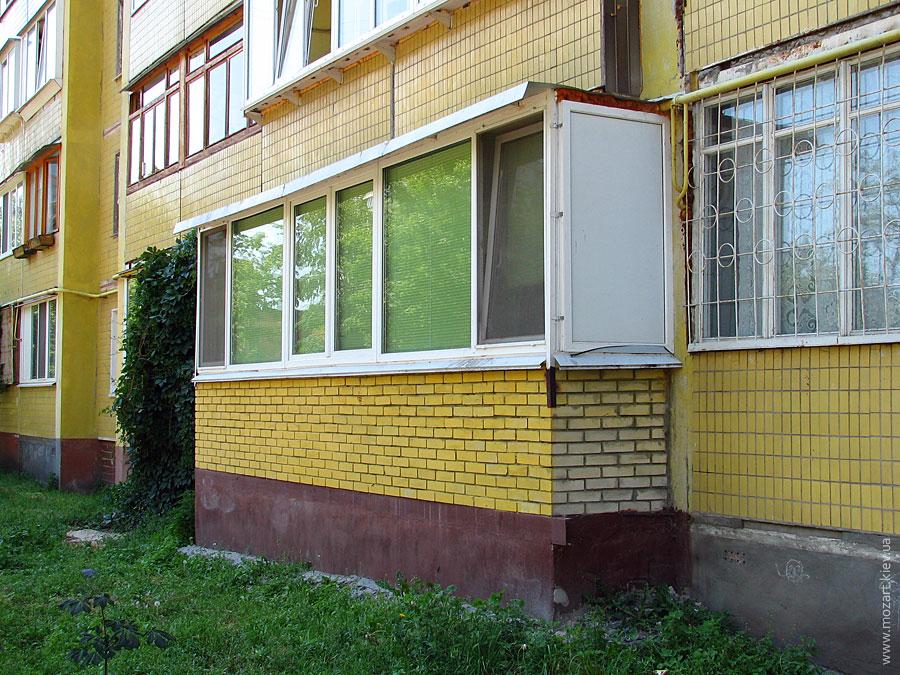Пристроить балкон на первом этаже панельного дома..