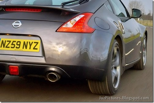 Nisan-370Z-Black-Edition-13