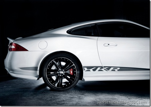 2011-Jaguar-XKR-Special-Edition-11