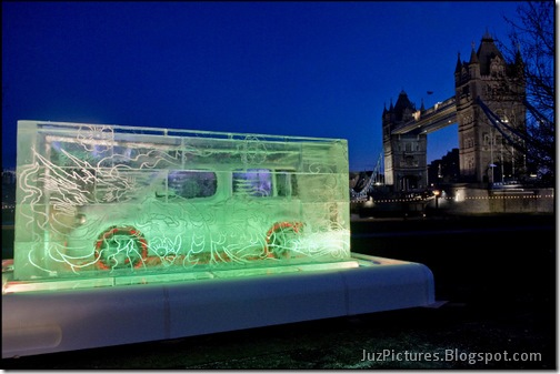 Nissan-Cube-Ice-Sculpture