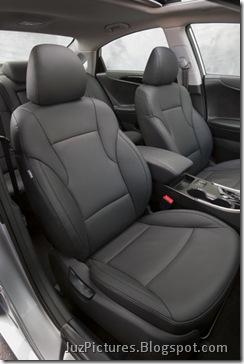 2011-Hyundai-Sonata-24