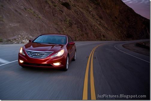2011-Hyundai-Sonata-10