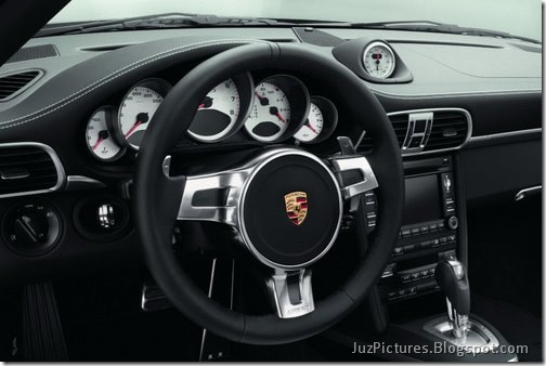 2011-Porsche-911-Turbo-S-9