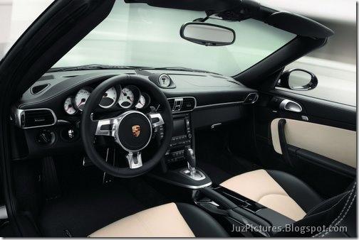 2011-Porsche-911-Turbo-S-13