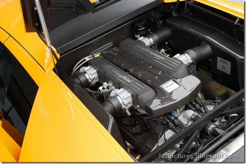 Lamborghini_Murcielago_LP_670-4_SuperVeloce_10
