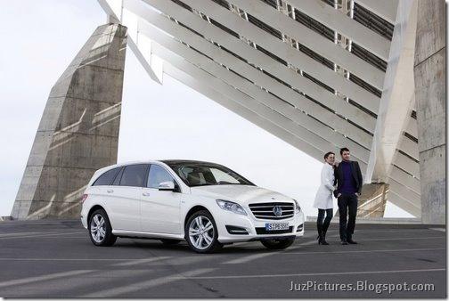 2011-Mercedes-R-Class-11