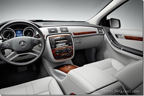 2011-Mercedes-R-Class-23
