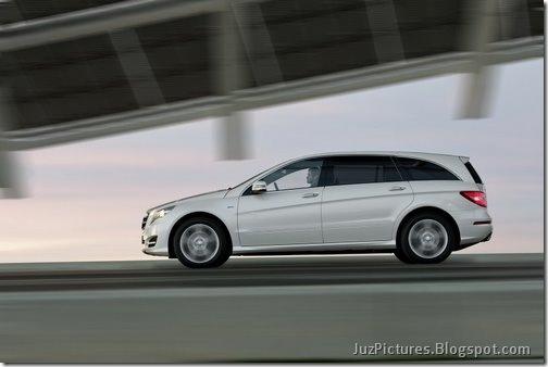 2011-Mercedes-R-Class-25