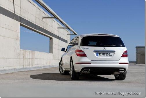 2011-Mercedes-R-Class-27