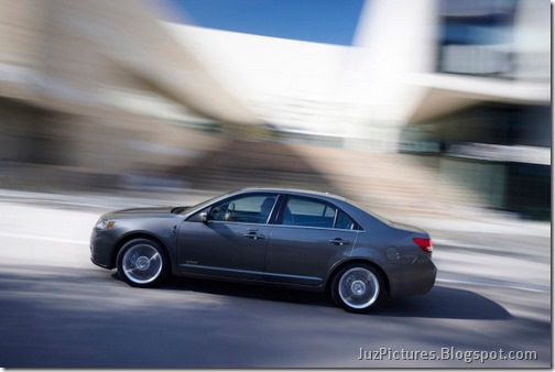 2011-lincoln-mkz-hybrid-4