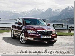 Skoda_Superb_2009_Front_View