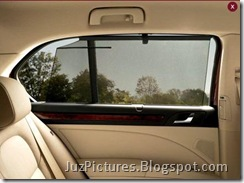2009_Skoda_Superb-Rear-glass-shade