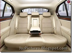 2009_Skoda_Superb-Rear-Seats