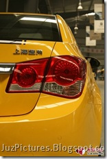 Chevy-Cruze-Bumblebee-taillight1