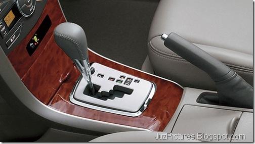Toyota-Corolla-Altis-facelift-auto