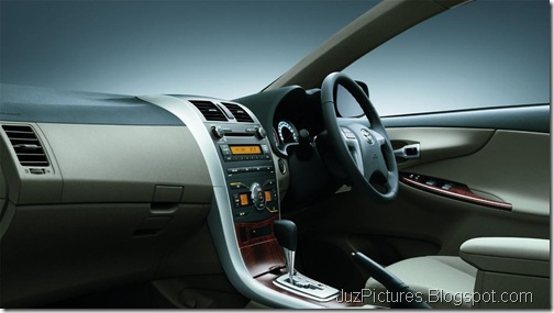 Toyota-Corolla-Altis-facelift-interior
