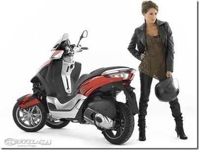 2011-Piaggio-MP3-Yourban-3.jpg2011 Piaggio Scooters Picture