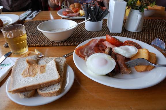 ビナブラマウンテンロッジの朝食の写真
