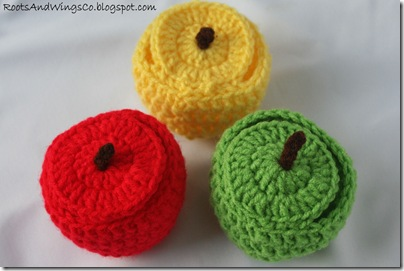 crocheted apple d