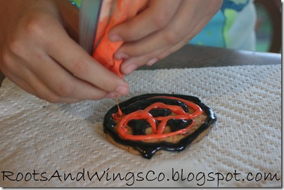 halloween cookie decorating d