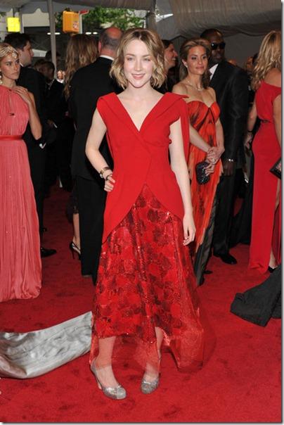 Saoirse Ronan bei der Gala 2011 trafen sich in einem roten dres