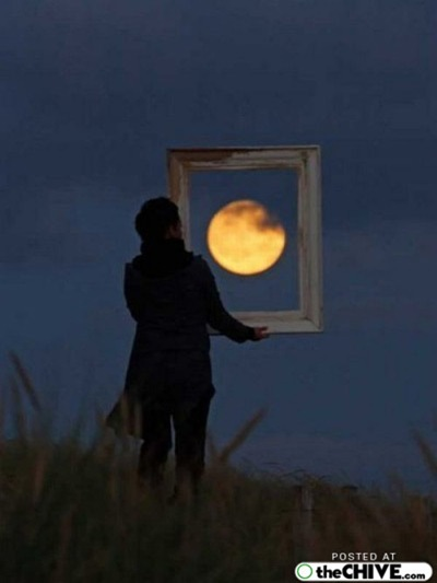 hold-on-the-moon-trick-pics-12