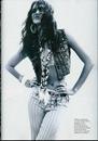 irina-sheik-woman-magazine-spain-june-5