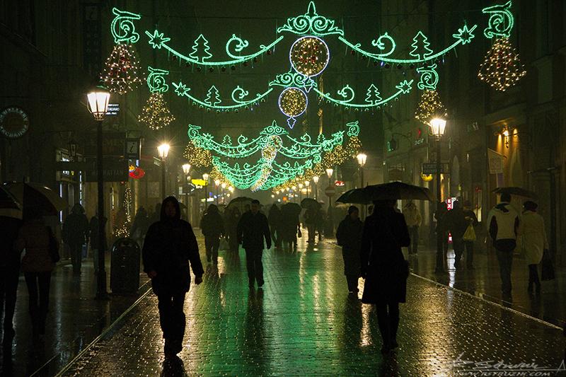 Kraków, Rynek. Tu nawet mokry grudzień potrafi wyglądać wyjątkowo.