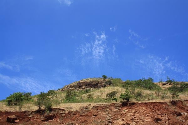Beautiful Natural Colors on way to Neelkantheshwar [Pune] — Blue Sky with Soft Clouds and Cut Mountain