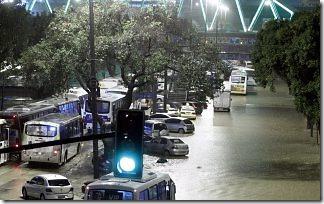 Inundação dia 25/04/2010 na Leopoldina, no Rio