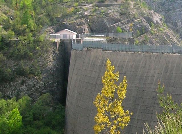 Represa da Diga del Vajont, na Itália