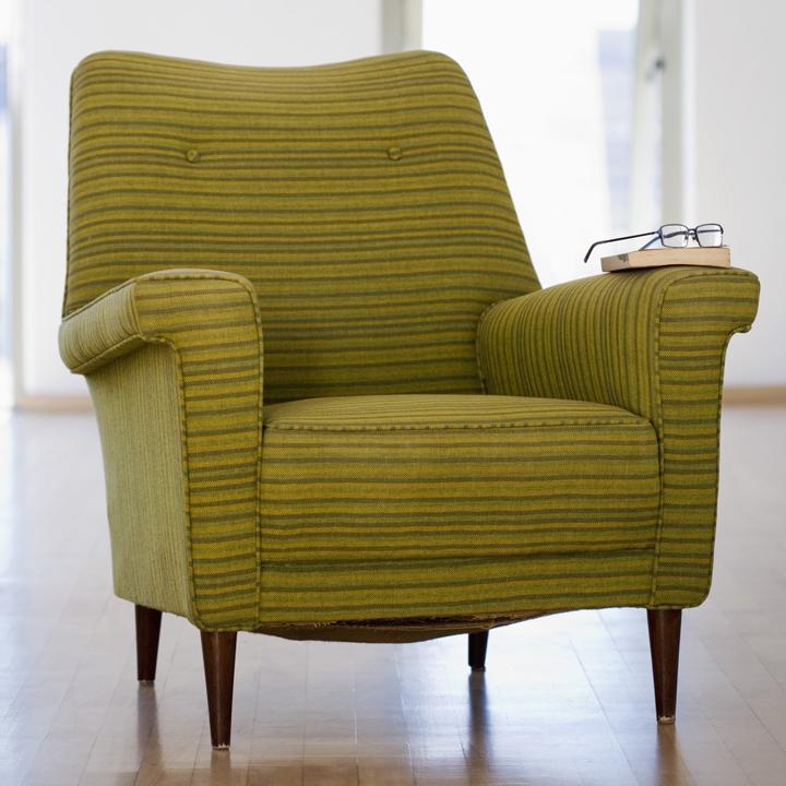 retapisser un fauteuil alg rie360. Black Bedroom Furniture Sets. Home Design Ideas