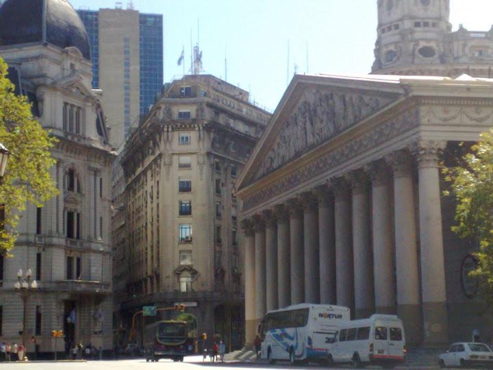 De Paseo en Buenos Aires, y Más