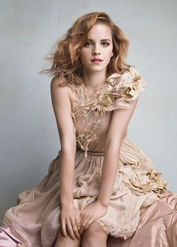 actress emma watson hot pose