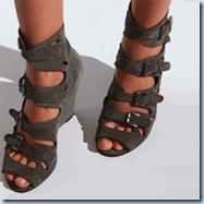 surfaceToAirBuckleSandal