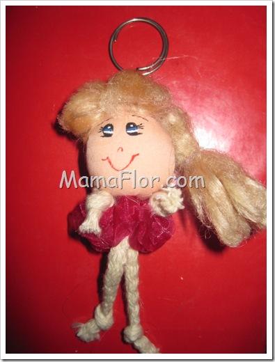 Como hacer un llavero de muñeca