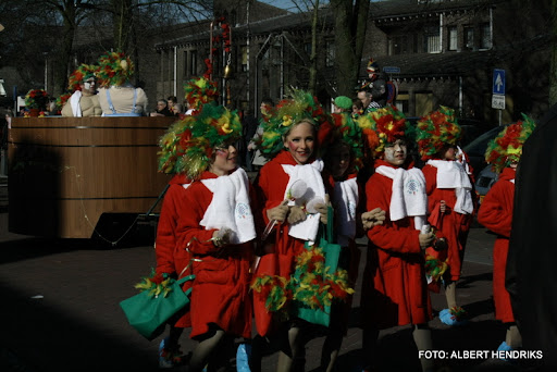 overloon carnaval optocht  06-03-2011 (117).JPG