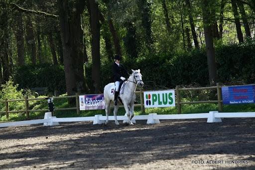 dressuurwedstrijd pony's overloon 09-04-2011 (23).JPG
