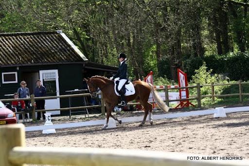 dressuurwedstrijd pony's overloon 09-04-2011 (20).JPG