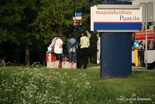 boxmeer verhuizen patienten maasziekenhuis 22-04-2011 (8).JPG